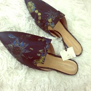 Who What Wear  | NWT blue and gold floral loafer